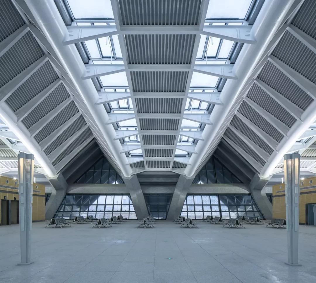 GRC+ 钢结构的组合该如何进行完美施工?